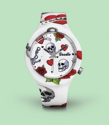 Reloj Doodle Hearts and Skulls